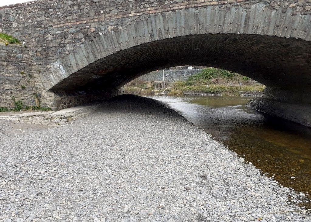 Gravel has collected under Greta Bridge in High Hill