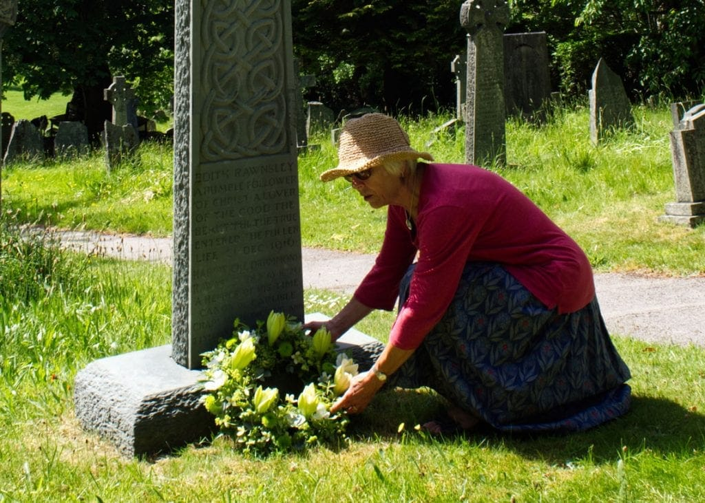 A wreath laying service was held at the graveside of Canon Hardwicke Drummond Rawnsley to celebrate the centenary of his death